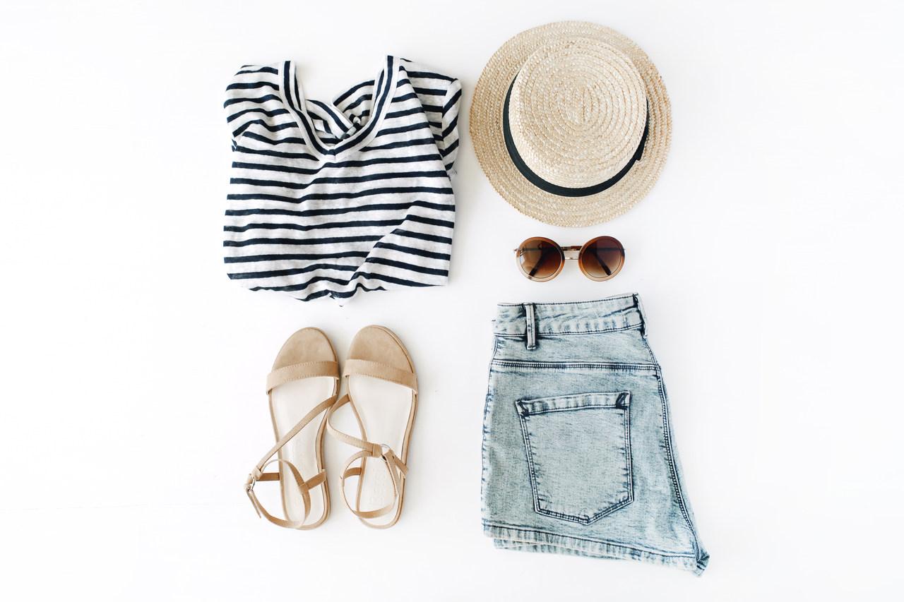 pakowanie ubrań na wakacje
