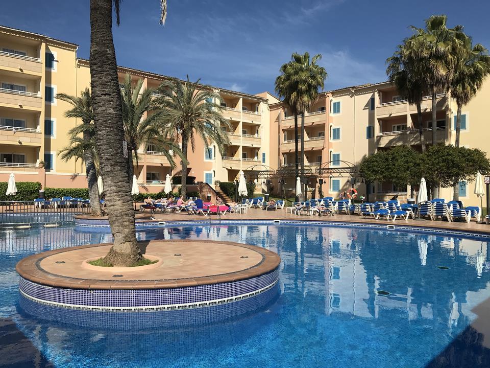 Komunikacja i hotele na Majorce
